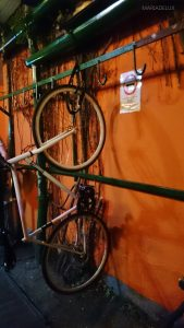 Bike parking inside the club ---- Estacionamento de bicicletas dentro do clube