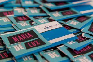 Orgulho de ver meus cartões na mesa dos blogueiros. Foto: Luis Felipe Minnicelli